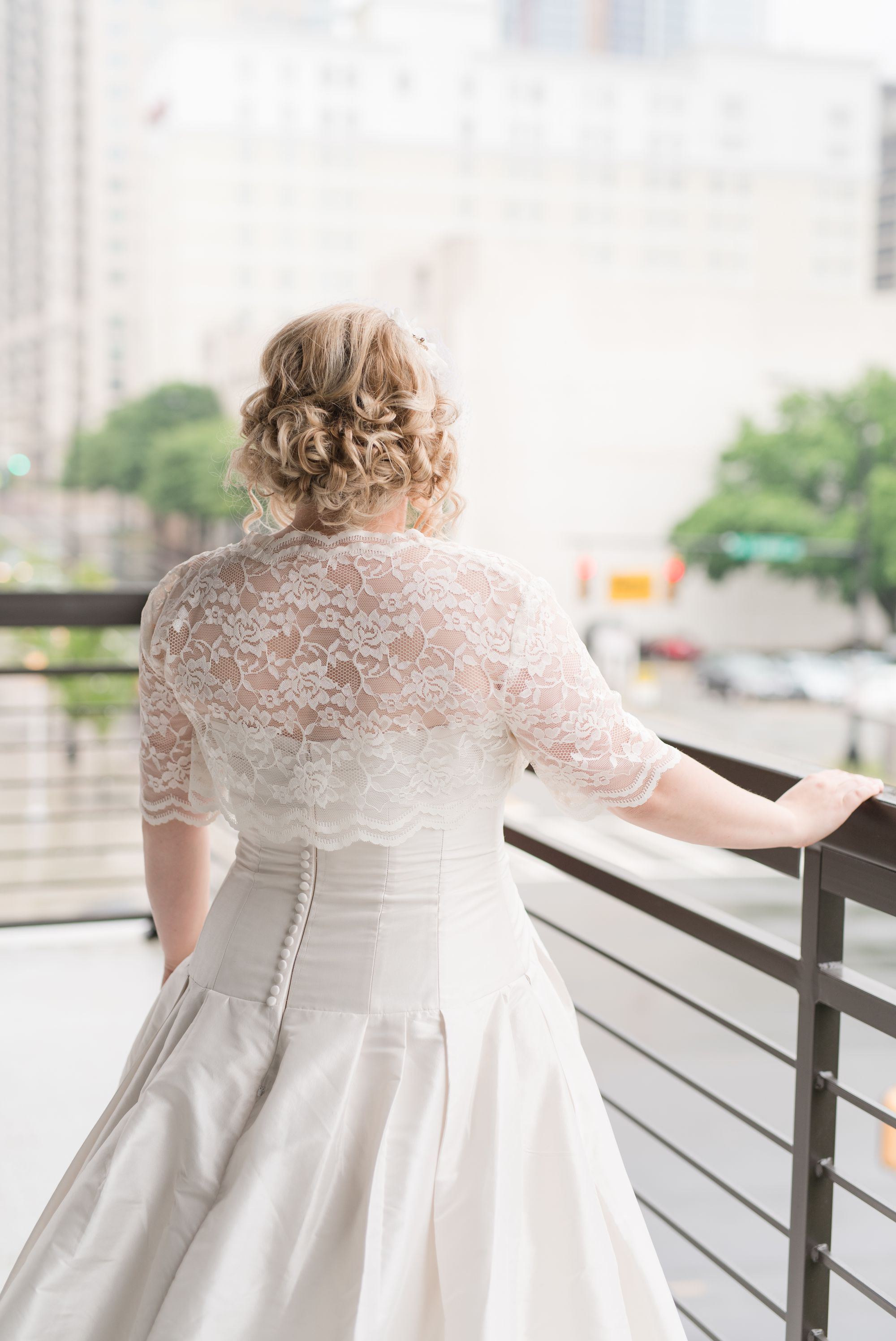 uptown-charlotte-warhouse-wedding 18