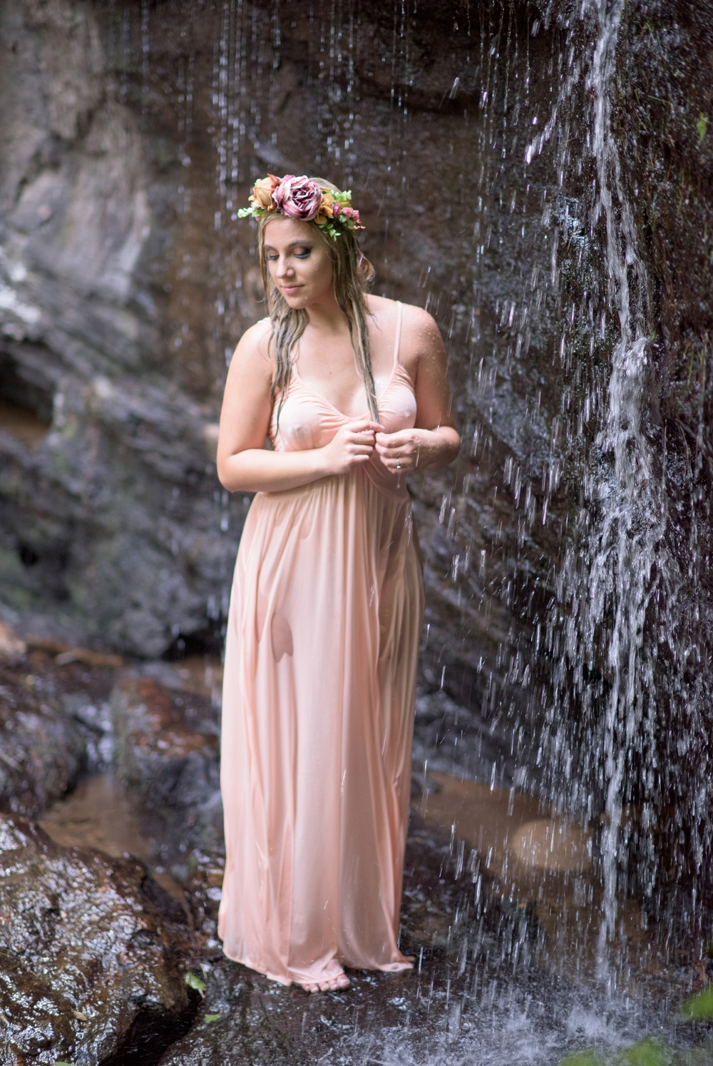 outdoor waterfall boudoir 14 -