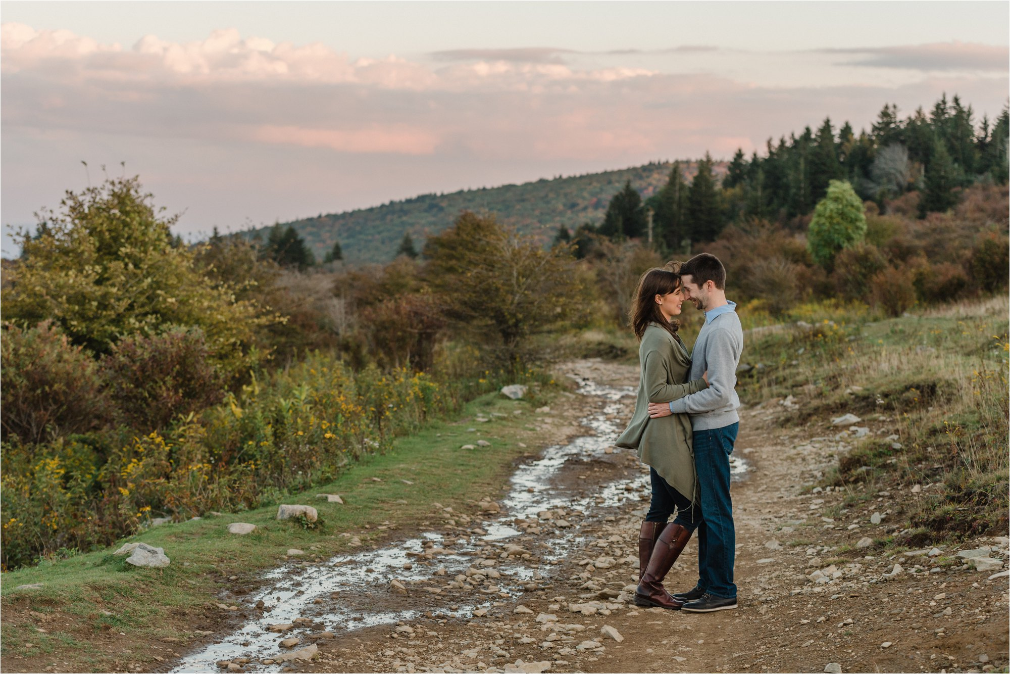 Engagement Photos at Blue Ridge Mountains